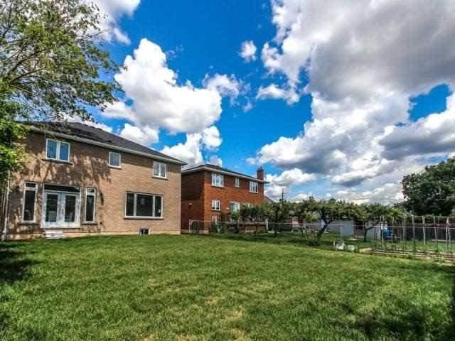 Detached at 208 Green Rd, Hamilton, Ontario. Image 13