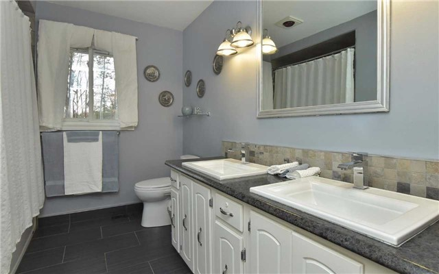 Detached at 714503 1st Line Ehs, Mono, Ontario. Image 3
