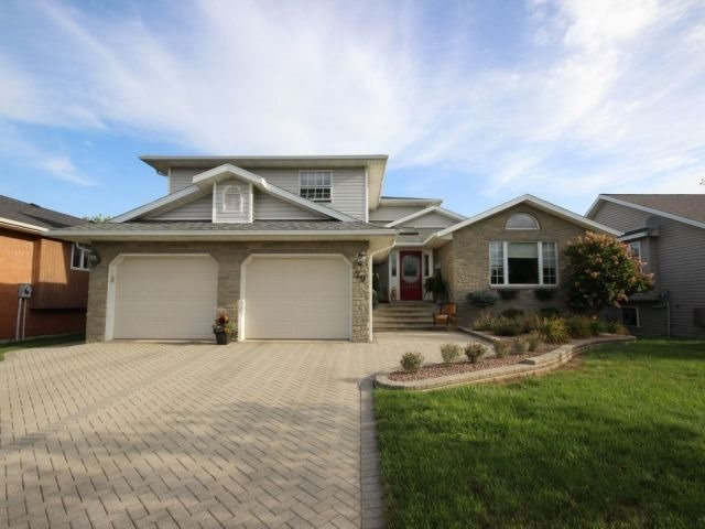 Detached at 29 Shawnee Crt, Leamington, Ontario. Image 13