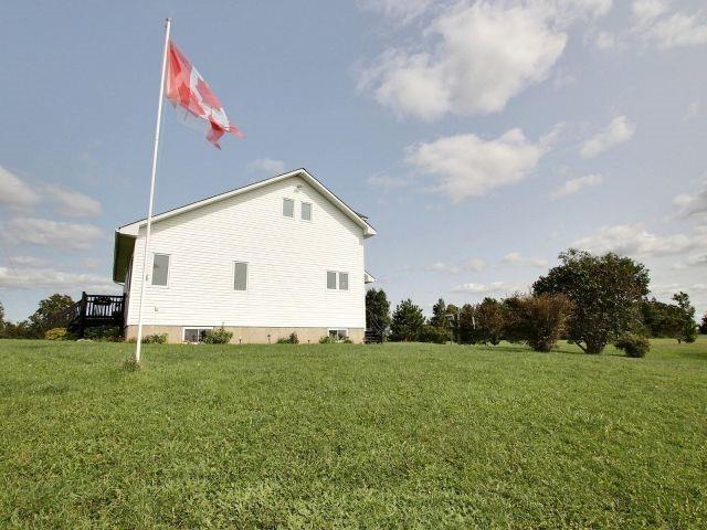 Detached at 7830 Belmeade Rd, North Dundas, Ontario. Image 13