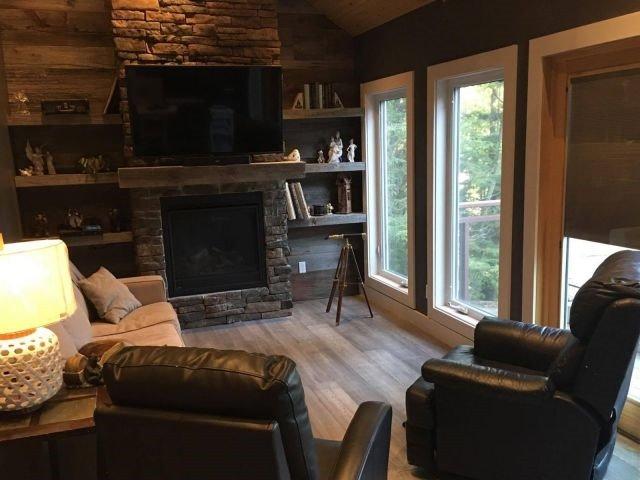 Cottage at 1237 Redstone Lake Rd, Dysart et al, Ontario. Image 4