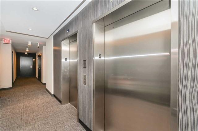 Condo Apartment at 85 Duke St, Unit 504, Kitchener, Ontario. Image 15