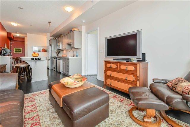 Condo Apartment at 85 Duke St, Unit 504, Kitchener, Ontario. Image 4