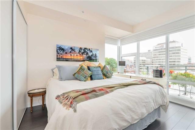 Condo Apartment at 85 Duke St, Unit 504, Kitchener, Ontario. Image 6