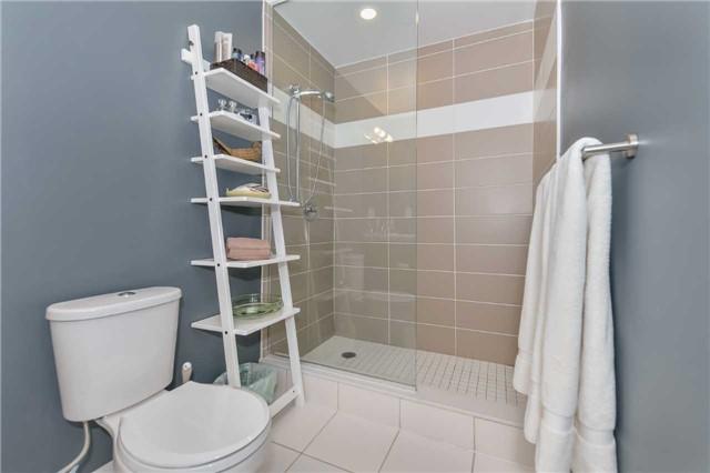 Condo Apartment at 85 Duke St, Unit 504, Kitchener, Ontario. Image 7