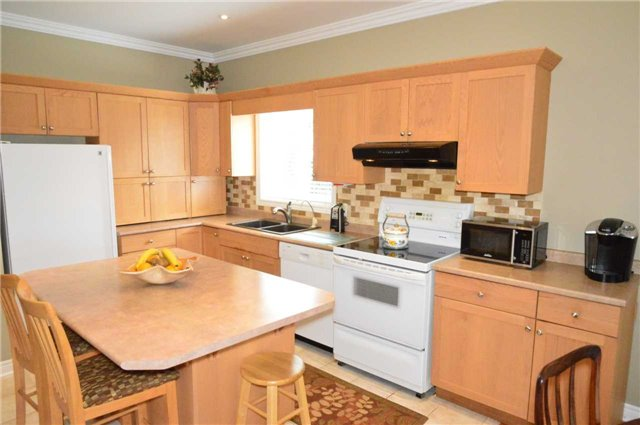 Townhouse at 75 Morris Tr, Welland, Ontario. Image 19