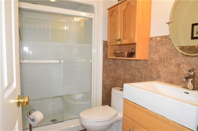 Townhouse at 75 Morris Tr, Welland, Ontario. Image 2