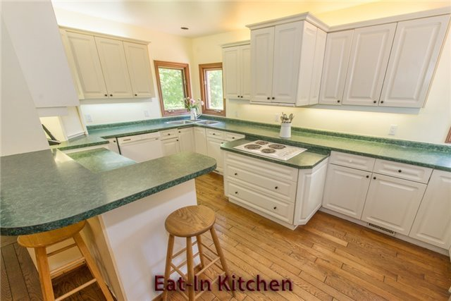 Detached at 5481 Tenth Line, Erin, Ontario. Image 17