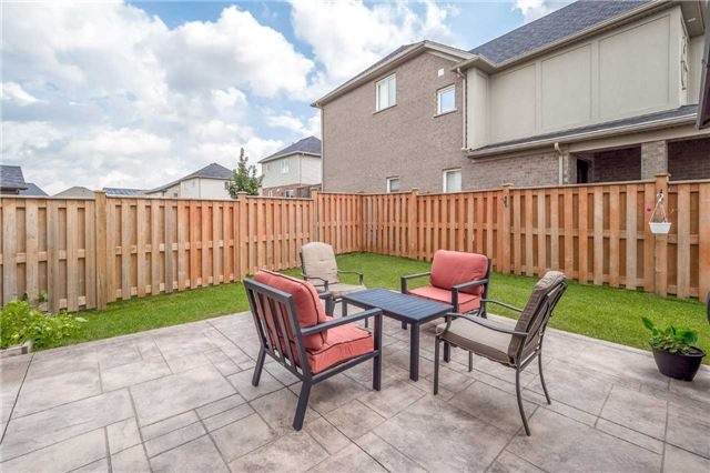 Detached at 231 Goodwin Dr, Guelph, Ontario. Image 11