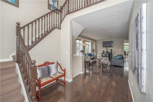 Detached at 27 Atto Dr, Guelph, Ontario. Image 12