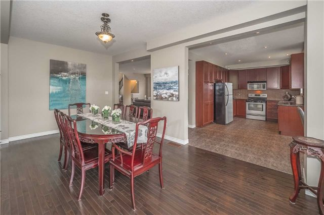 Detached at 27 Atto Dr, Guelph, Ontario. Image 16