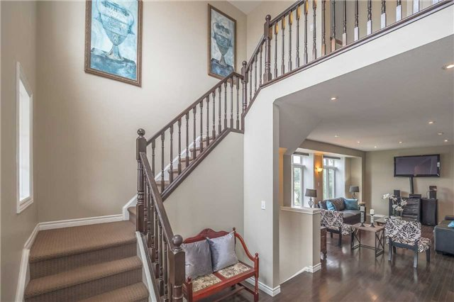 Detached at 27 Atto Dr, Guelph, Ontario. Image 2