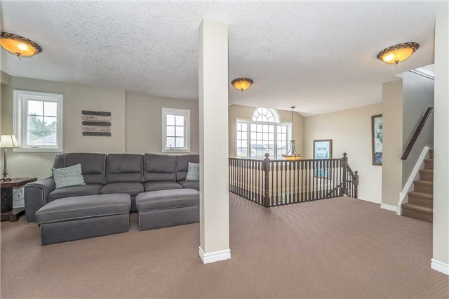 Detached at 27 Atto Dr, Guelph, Ontario. Image 3