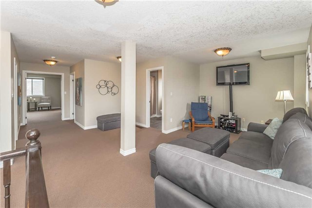 Detached at 27 Atto Dr, Guelph, Ontario. Image 4