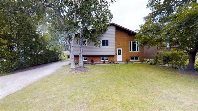 Detached at 570 2nd St W, Owen Sound, Ontario. Image 1