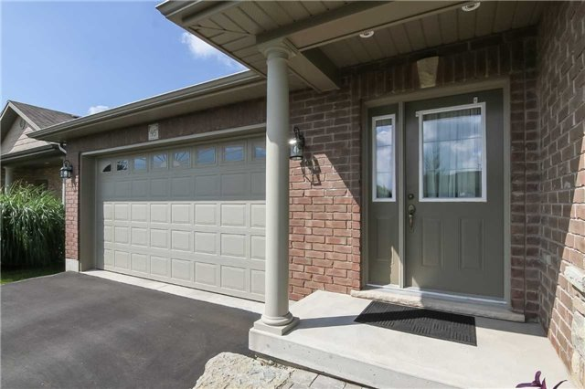 Detached at 95 Sparrow Way, Norfolk, Ontario. Image 15