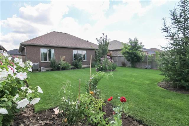 Detached at 95 Sparrow Way, Norfolk, Ontario. Image 10