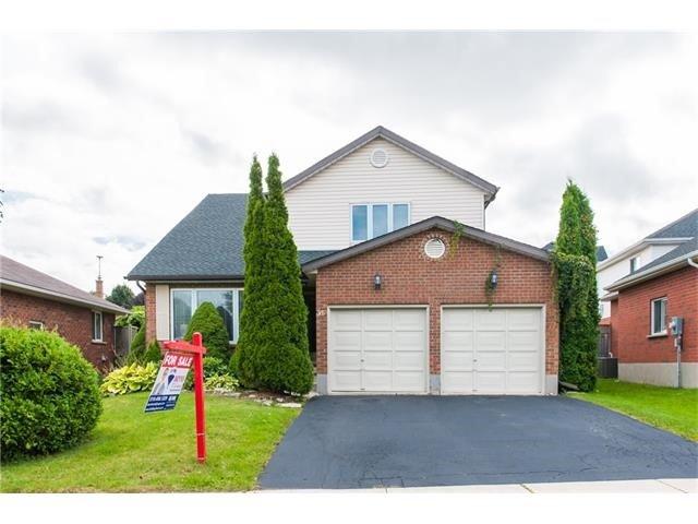 Detached at 365 Keewatin Ave, Kitchener, Ontario. Image 1