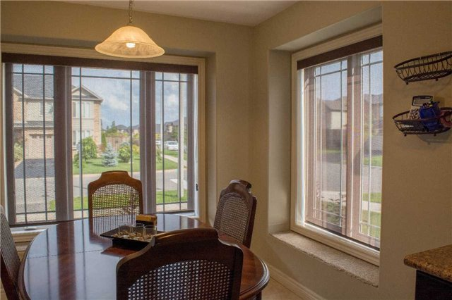 Townhouse at 4832 Adam Crt, Lincoln, Ontario. Image 14
