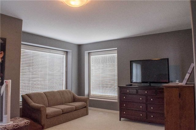 Townhouse at 4832 Adam Crt, Lincoln, Ontario. Image 3