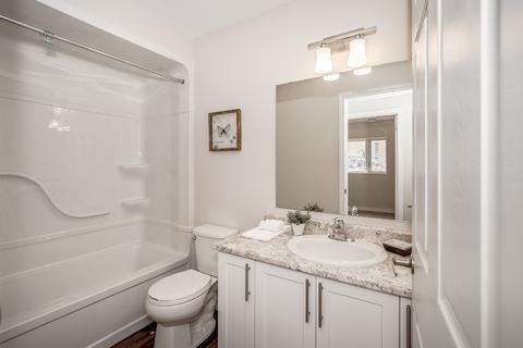 Condo Apartment at 7 Kay Cres, Unit Ll01, Guelph, Ontario. Image 7