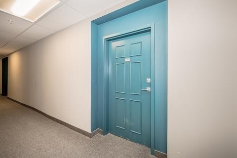 Condo Apartment at 7 Kay Cres, Unit Ll01, Guelph, Ontario. Image 8