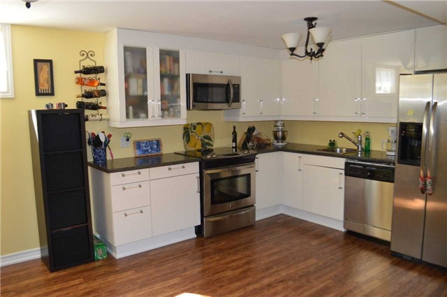 Detached at 200 Kingfisher Dr, Unit 83, Mono, Ontario. Image 9