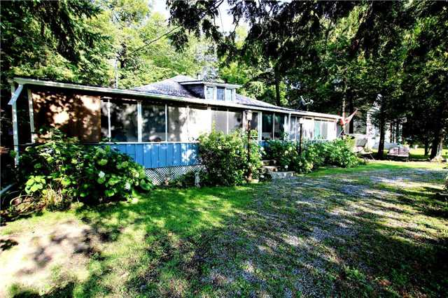 Cottage at 266 Pleasant Point Rd, Kawartha Lakes, Ontario. Image 10