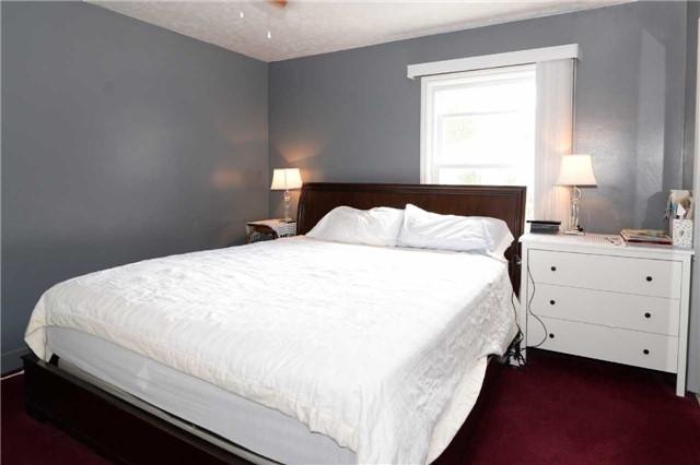 Duplex at 1639 Concession Rd, Cambridge, Ontario. Image 5