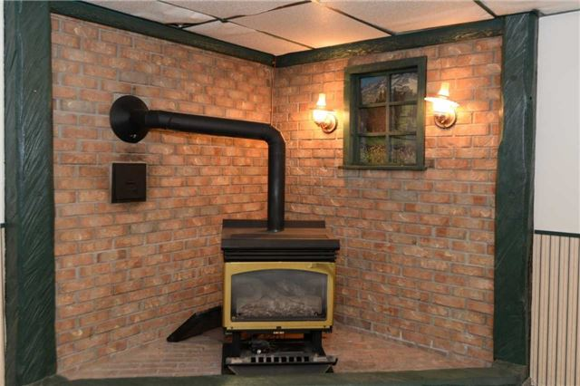 Duplex at 1639 Concession Rd, Cambridge, Ontario. Image 8