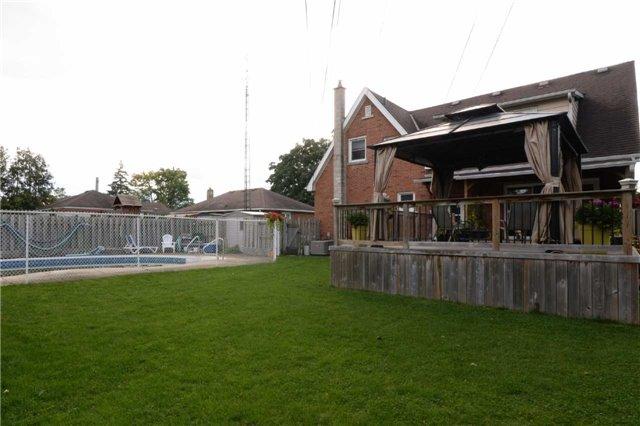 Duplex at 1639 Concession Rd, Cambridge, Ontario. Image 9