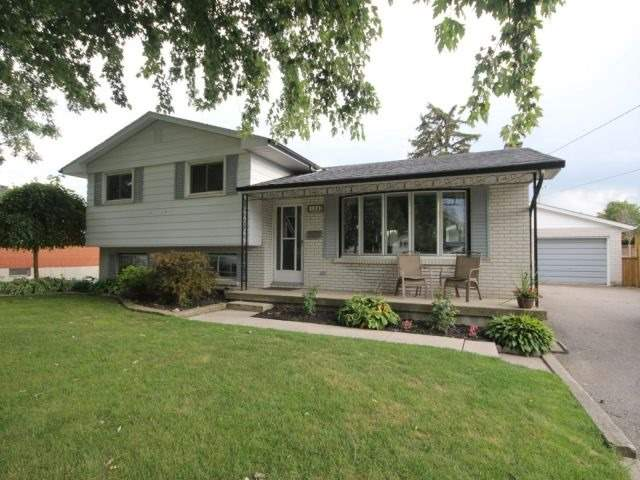 Detached at 139 Queen St, North Middlesex, Ontario. Image 1