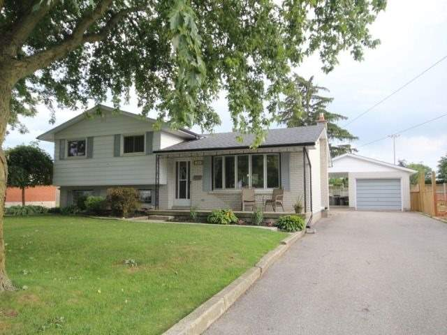 Detached at 139 Queen St, North Middlesex, Ontario. Image 13
