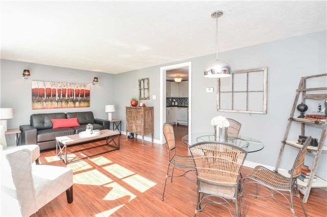 Detached at 279 Kathleen St, Guelph, Ontario. Image 12