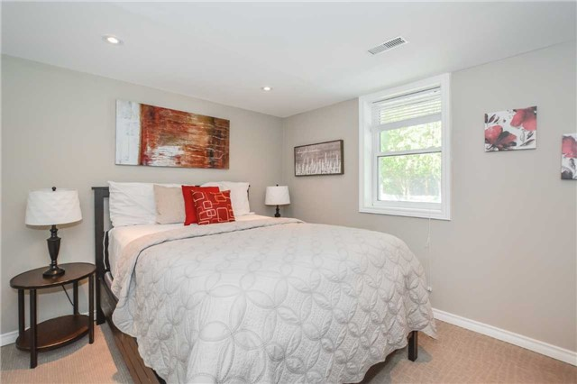 Detached at 279 Kathleen St, Guelph, Ontario. Image 8