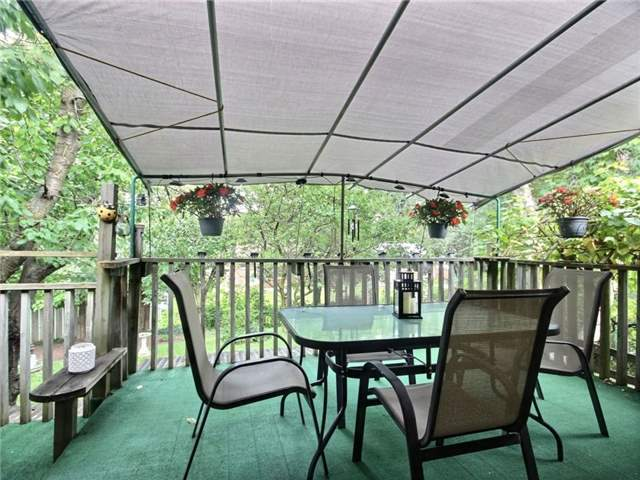 Detached at 40 Meadow Cres, Kitchener, Ontario. Image 9
