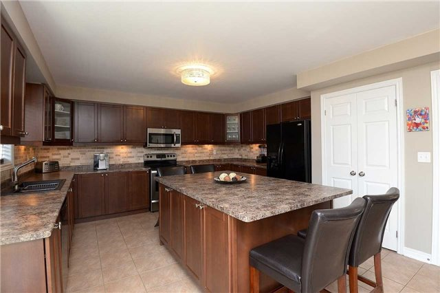 Detached at 179 Spring Creek Dr, Hamilton, Ontario. Image 2