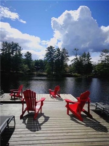 Detached at 25 Loon Lake Rd N, Gravenhurst, Ontario. Image 15