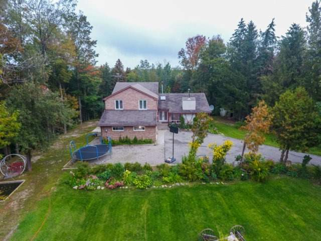 Detached at 208335 Highway 9 Rd, Mono, Ontario. Image 1