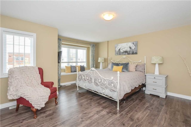 Townhouse at 20 Couling Cres, Guelph, Ontario. Image 15