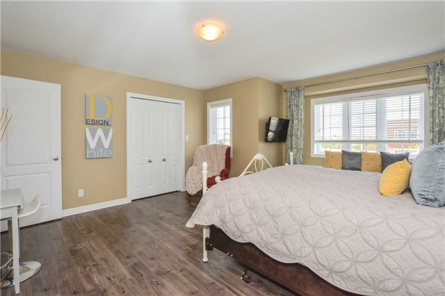 Townhouse at 20 Couling Cres, Guelph, Ontario. Image 16