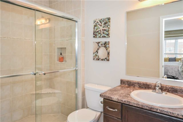 Townhouse at 20 Couling Cres, Guelph, Ontario. Image 2