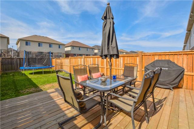Townhouse at 20 Couling Cres, Guelph, Ontario. Image 6