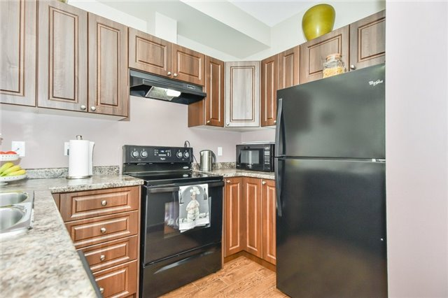 Townhouse at 21 Diana Ave, Unit 98, Brant, Ontario. Image 17