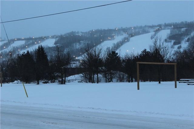 Semi-detached at 137 Kandahar Lane, Blue Mountains, Ontario. Image 6