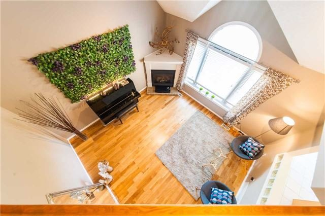 Detached at 6 Gaw Cres, Guelph, Ontario. Image 3
