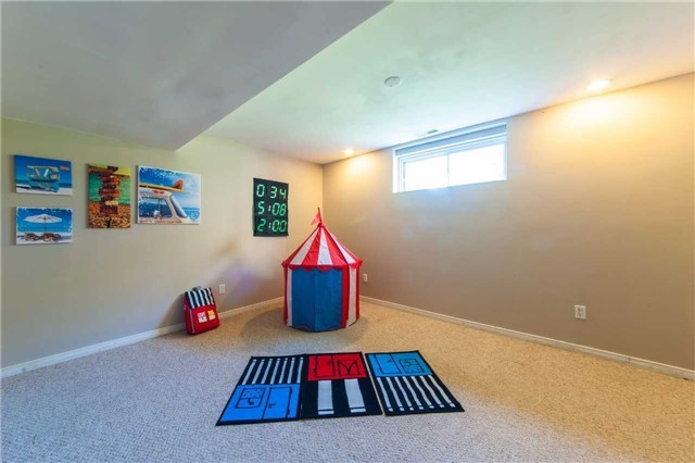 Detached at 6 Gaw Cres, Guelph, Ontario. Image 10