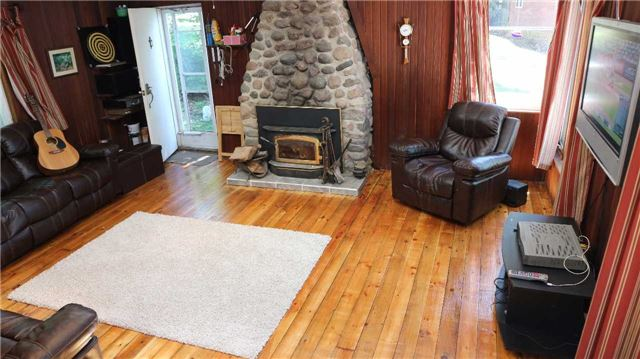 Cottage at 28 Long Island, Otonabee-South Monaghan, Ontario. Image 17