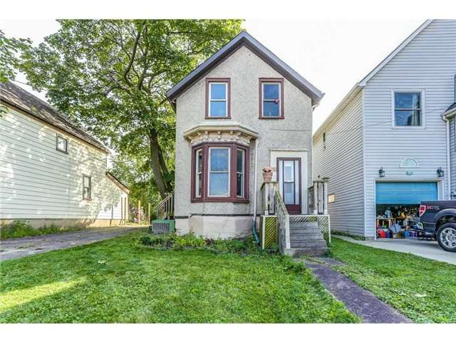 Detached at 23 Queensdale Ave W, Hamilton, Ontario. Image 1
