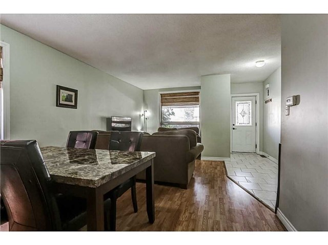 Detached at 182 Balsam Ave S, Hamilton, Ontario. Image 4